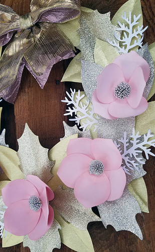 CindaWreath01-02
